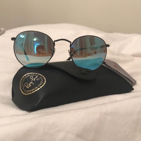 c0cc70a610 Ray-Ban Round Metal Sunglasses Light Blue Lenses. M 5ab26e25a6e3ea2b490cb0d2